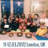 Группы слушателей семинара обучения поющим чашам